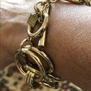 Chunk bracelet gold good condition